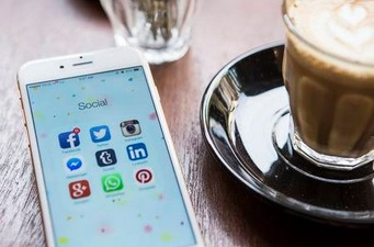 Create mobile apps that use Social media